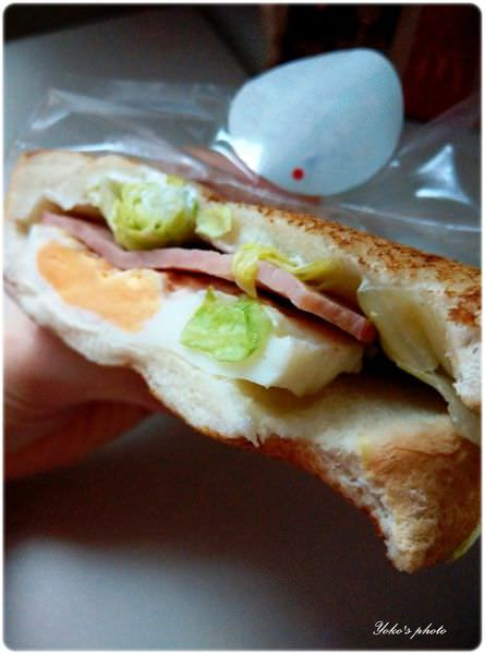 麥當勞早餐-嫩蛋火腿Q吐司 (6).jpg