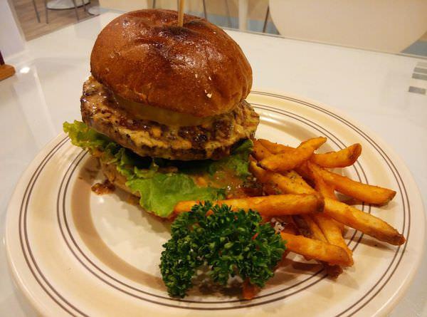漢堡-1.jpg