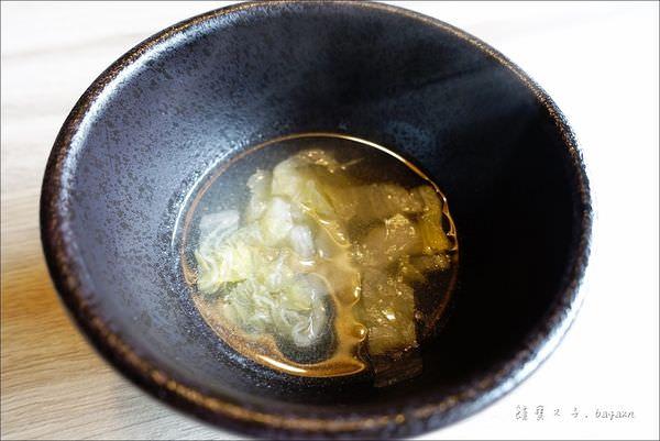 大東北 天然發酵酸菜白肉鍋 (24).JPG